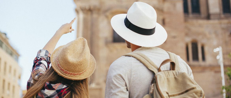 Traumatología Madrid | pareja turismo de salud
